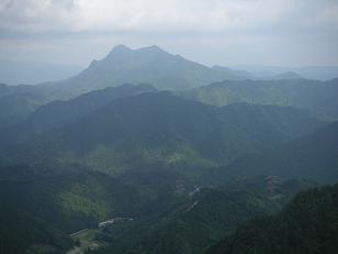 茶臼山と岩古谷山 019
