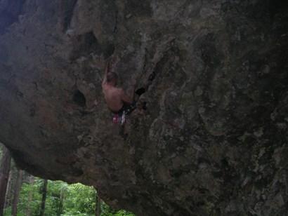 鬼岩2011,7 008