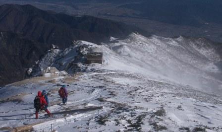 頂上を後に駒峰ヒュッテへ