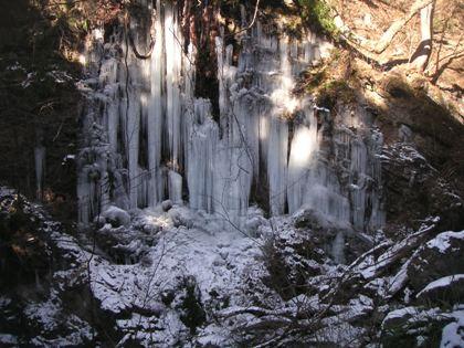 熊伏山2012,2 002