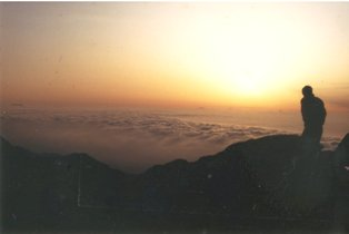 198306市民登山下見 常念山頂の雲海