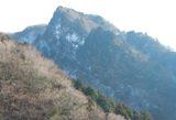 真富士神社となりの岩峰