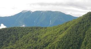 南隣りのウペペサンケ山