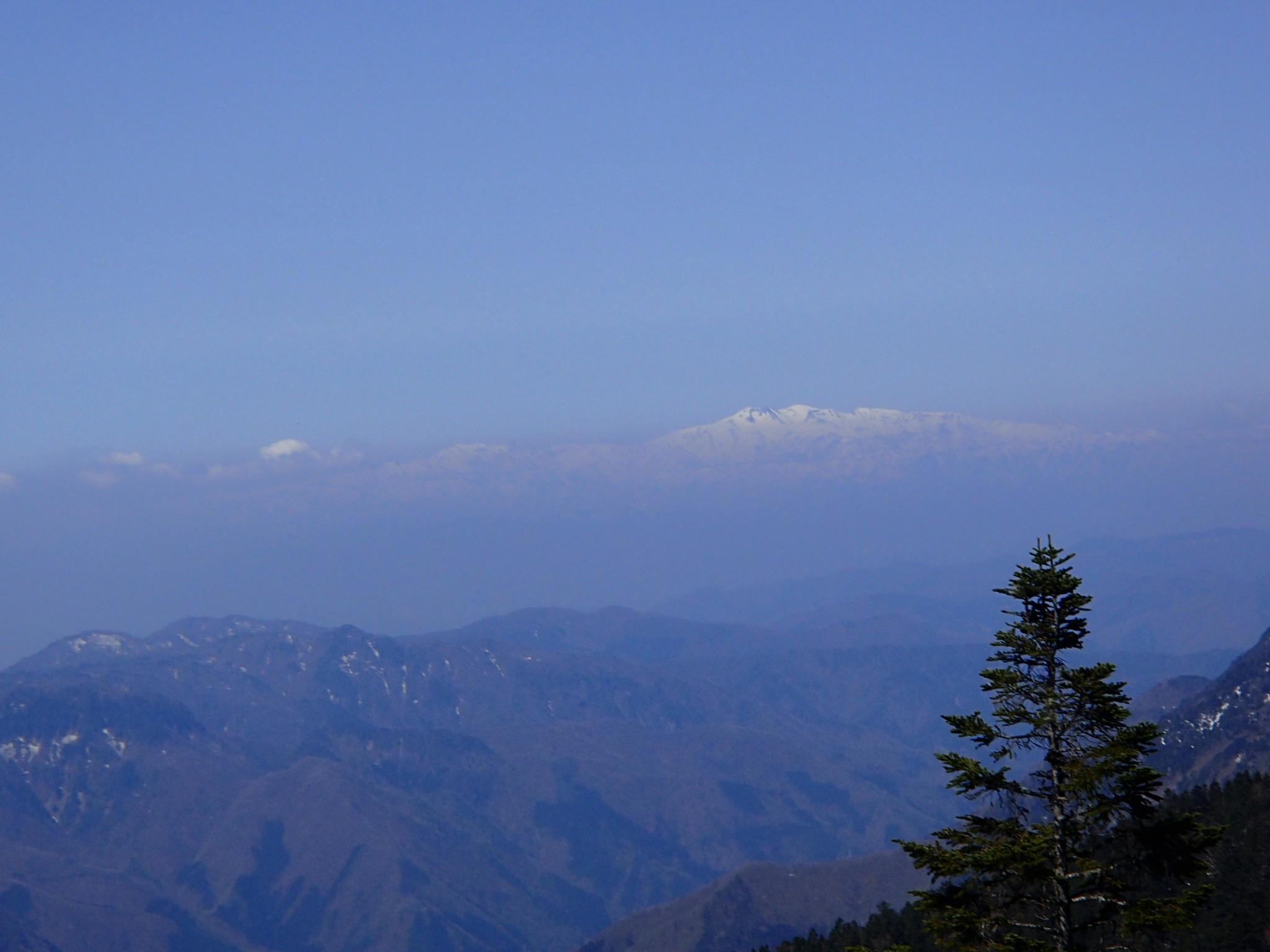 加賀白山を望む